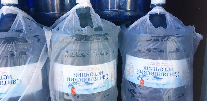 Стоит ли тратить время на просматривание рейтингов бутилированной воды?