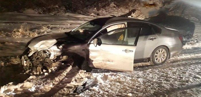 Около Черемшанского источника столкнулись легковые автомобили, пострадали три человека
