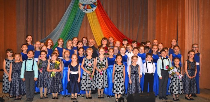 В Майминской детской школе искусств прошел хоровой концерт