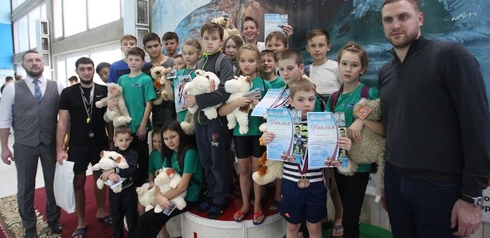 Юные пловцы из Горно-Алтайска завоевали в Барнауле 15 медалей