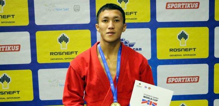 Элбек Куюков стал победителем Кубка мира по самбо среди студентов