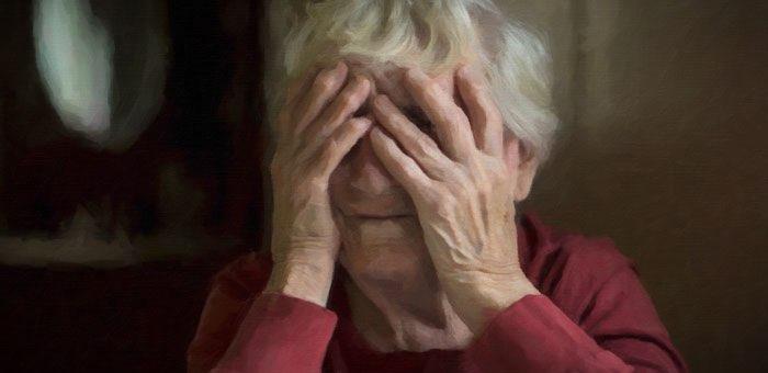 Пенсионерка зарезала своего сына-инвалида