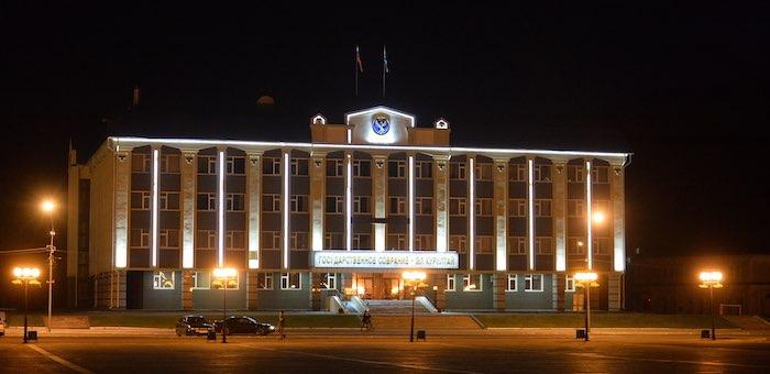 Два депутата Эл Курултая досрочно сложили полномочия
