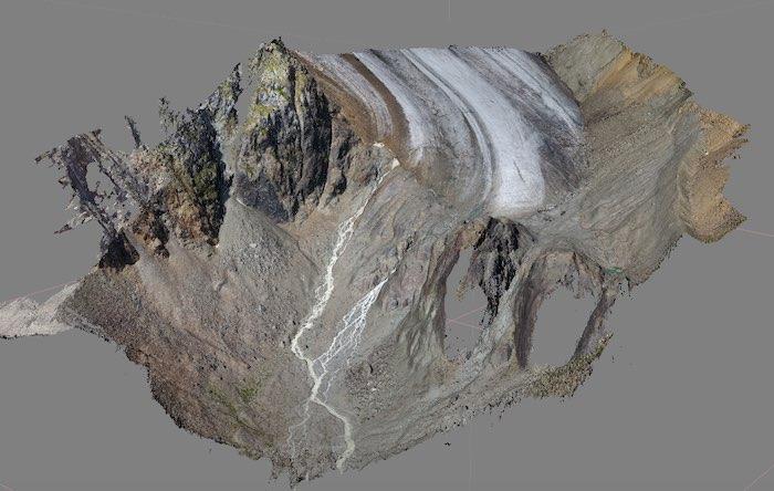 Беспилотники помогают ученым следить за самым быстротаящим ледником России – Малым Актру