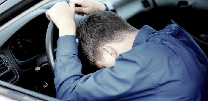 Таксиста, уснувшего за рулем и устроившего аварию, будут судить