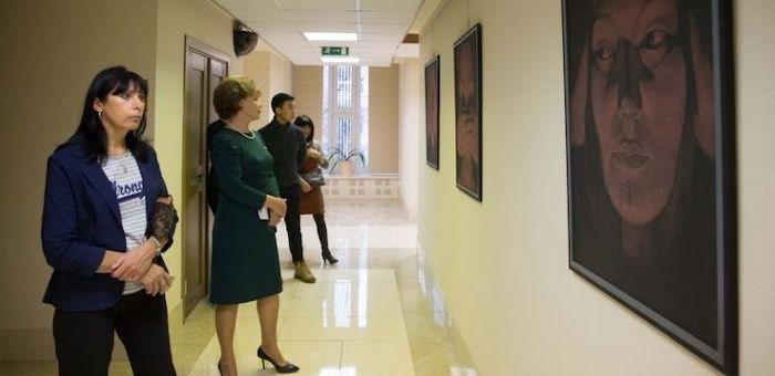 В Совете Федерации открылась выставка алтайских художников