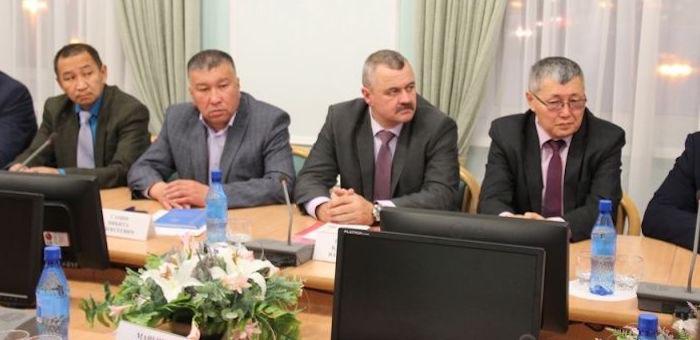 Руководство парламента встретилось с председателями райсоветов