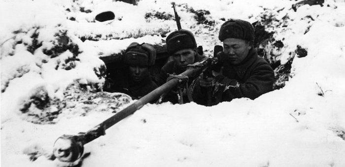 Спас 18 раненых и подбил два немецких танка