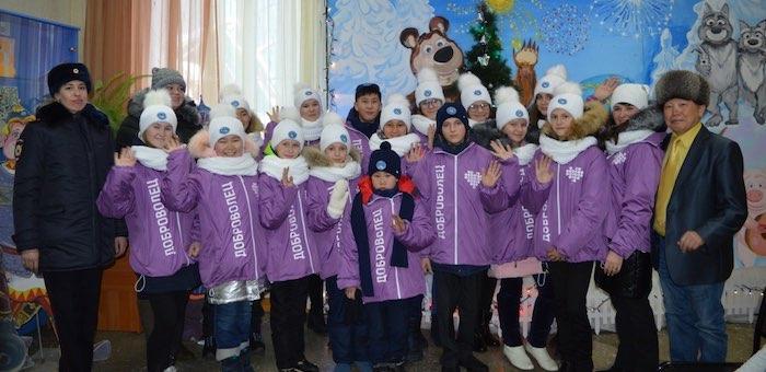 15 школьников из республики отправились на Кремлевскую елку