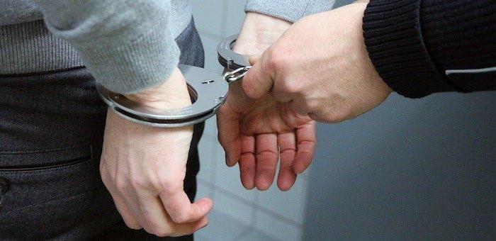 Молодой человек пошел под суд за совращение 13-летней девочки
