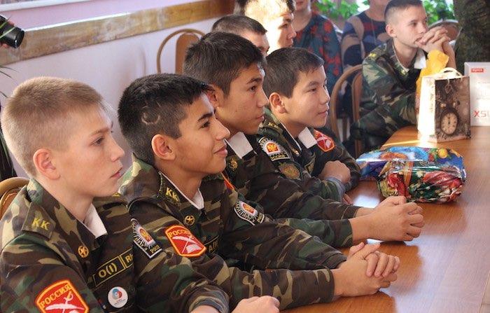 Пограничники исполнили новогодние мечты кадетов