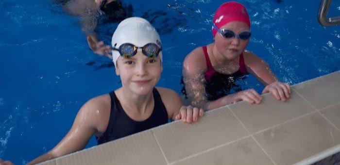 Спортсменки из Горного Алтая одержали победу в чемпионате по плаванию в Новосибирске
