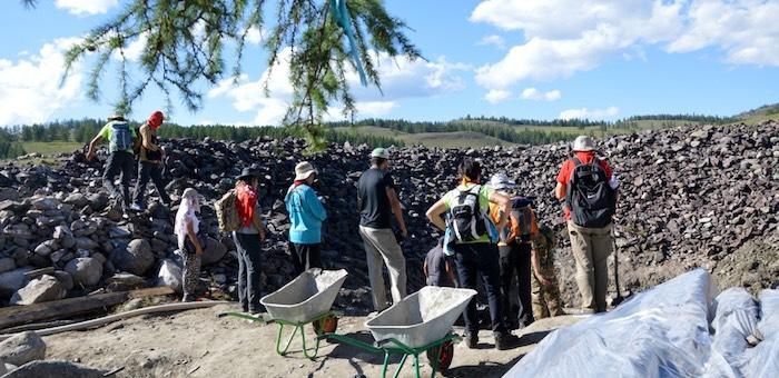Добровольцев приглашают в археологическую экспедицию на Пазырыкские курганы