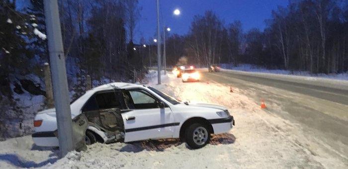 Несколько автомобилей слетели с дороги из-за заносов