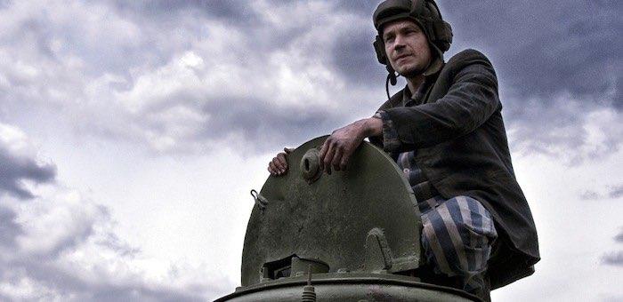Новогоднее кино продолжается: фильмы с Петровым бьют рекорды