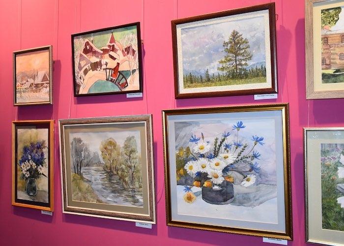 Выставка памяти Елены Корчугановой открылась в Горно-Алтайске