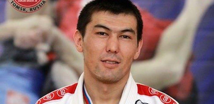 Денис Майманов завоевал «золото» на чемпионате Сибири по грэпплингу