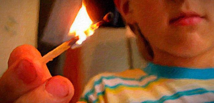 В Улус-Черге чуть не погибли дети, игравшие с огнем