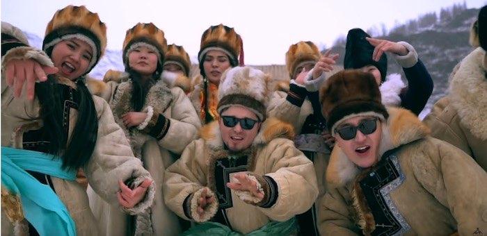 Шуточный клип об алтайской шубе сняли музыканты из группы АСМ (видео)