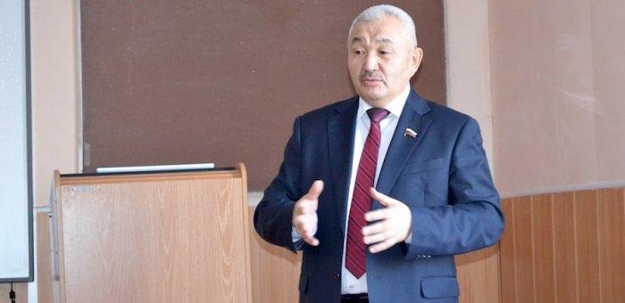Депутат Госдумы Родион Букачаков посетил аграрный колледж