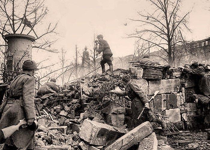 Командир отряда диверсантов Сатлаев помог окружить цитадель вермахта в Польше