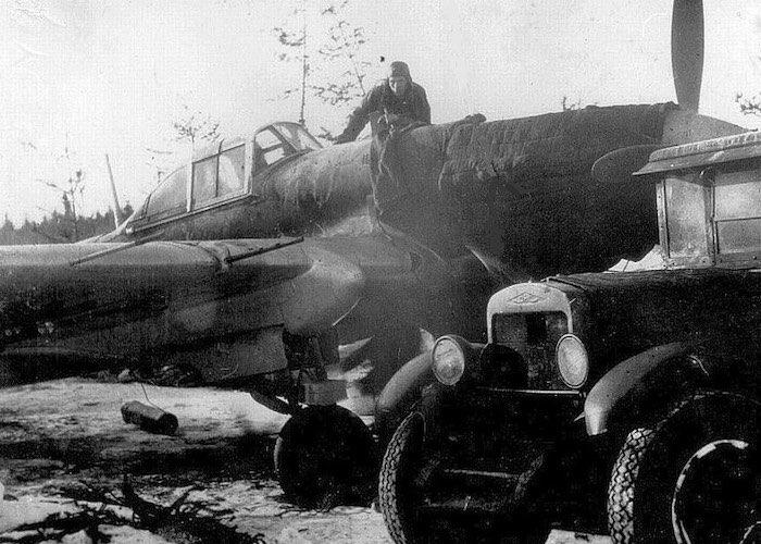 За ночь на лютом морозе отремонтировал двигатель Ил-2