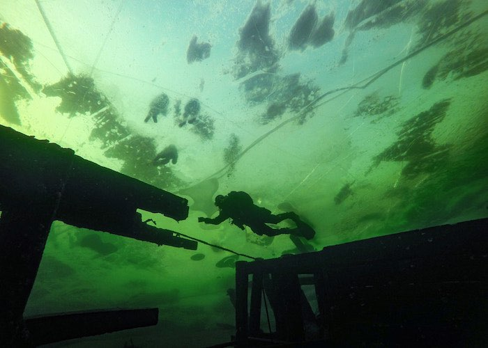 Февральское зазеркалье Телецкого озера. Фотоочерк