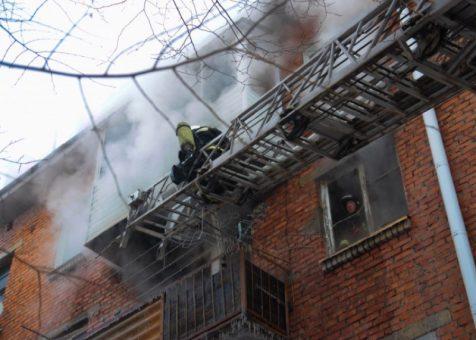 В четырехэтажном доме по ул. Северной произошел пожар