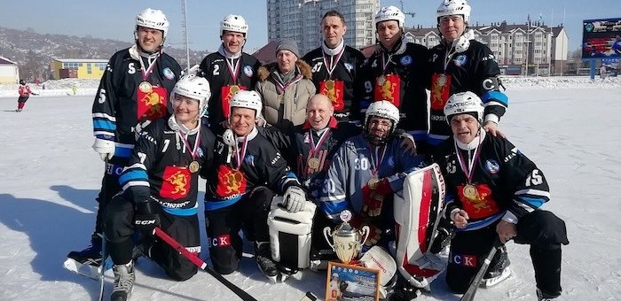 Первенство России по хоккею с мячом среди ветеранов состоялось в Республике Алтай
