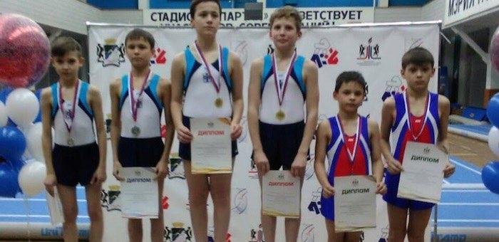 Горно-алтайские спортсмены стали призерами чемпионата Сибири по прыжкам на батуте