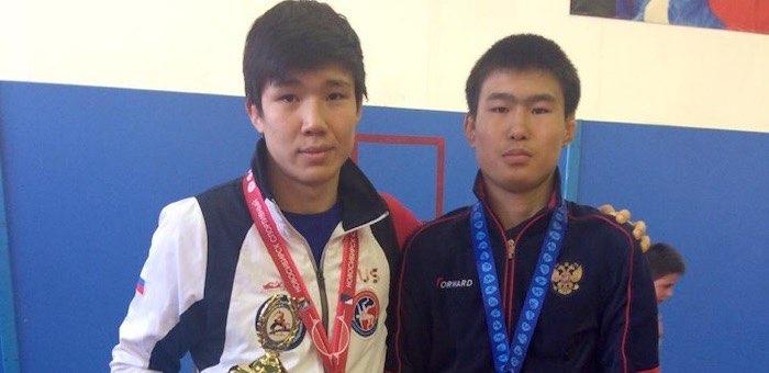 Алтайские борцы завоевали «золото» и «серебро» в Бердске