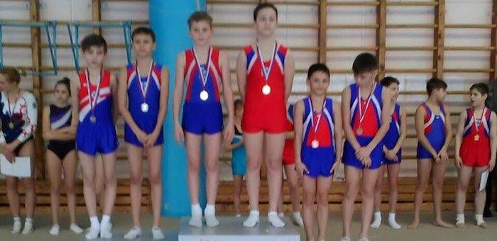 Спортсмены из Горно-Алтайска завоевали бронзу в первенстве по прыжкам на батуте
