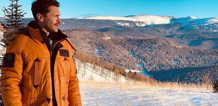 Актер Павел Деревянко купил участок у Каракольских озер и планирует построить дом из кедра