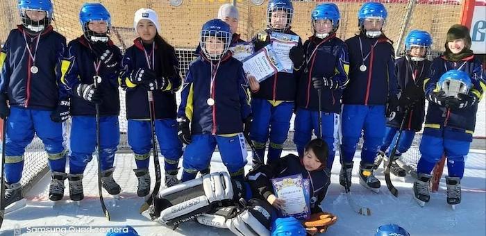 Хоккеистки из Усть-Кана завоевали «серебро» в Иркутске