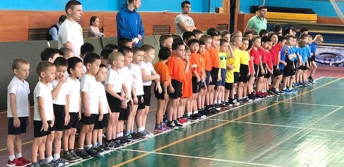 Турнир «Кроха-бол» среди воспитанников детсадов прошел в Горно-Алтайске