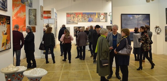 Картины алтайских художников представлены на всероссийской художественной выставке
