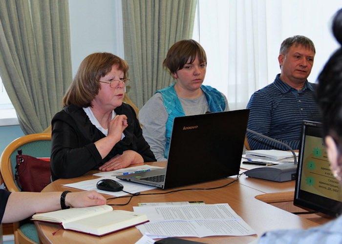 Барьеры административные и психологические: в Эл Курултае обсудили развитие сельского туризма