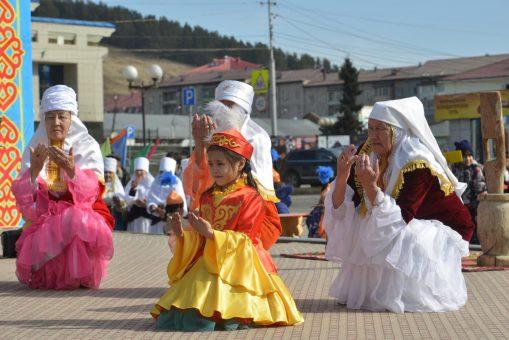 «Светлый и веселый праздник». На Алтае отпраздновали Наурыз