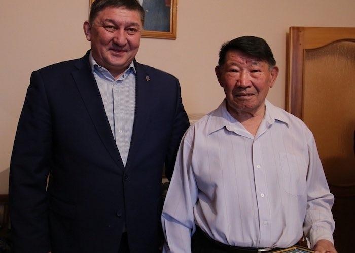 Почетный гражданин республики Степан Тюхтенев отметил 90-летний юбилей