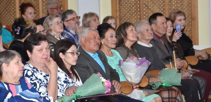 В Горно-Алтайске чествовали работников культуры