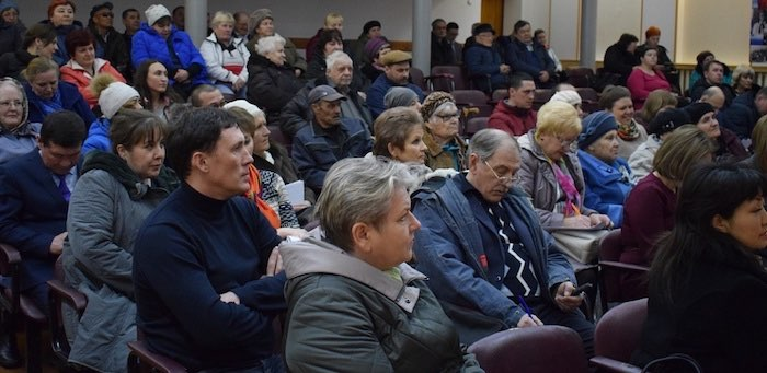 В Горно-Алтайске проходят встречи руководителей города с жителями микрорайонов