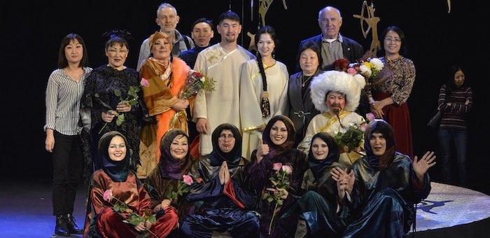В Горно-Алтайске состоялась премьера детского спектакля «Лисонька-Лиса — добрая душа»