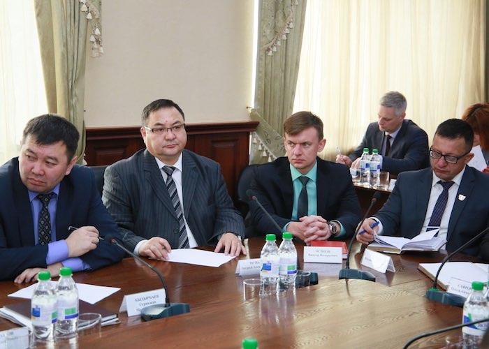 Александр Бердников провел совещание с руководителями районов