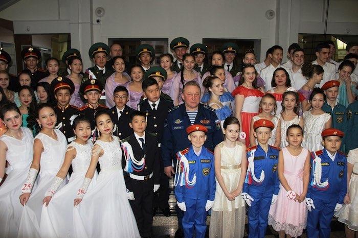 Кадетский бал прошел в Горно-Алтайске