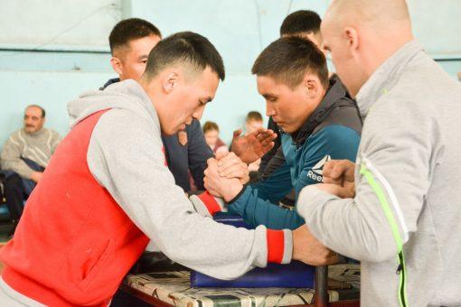 Республиканские соревнования по армрестлингу прошли в Горно-Алтайске