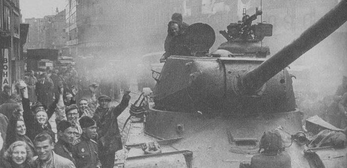 «На улицы вышли все жители города, целуя и обнимая наших бойцов и офицеров»