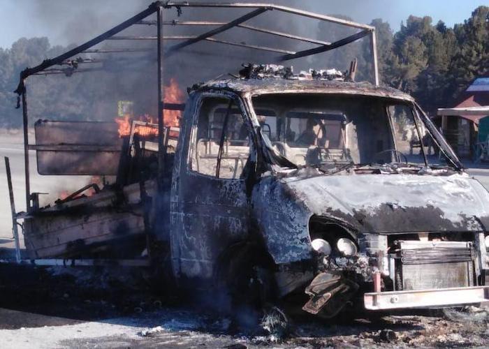 На Семинском перевале сгорела «ГАЗель»