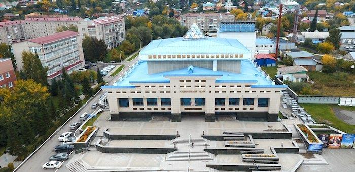Республика Алтай оказалась самым «нетеатральным» регионом России