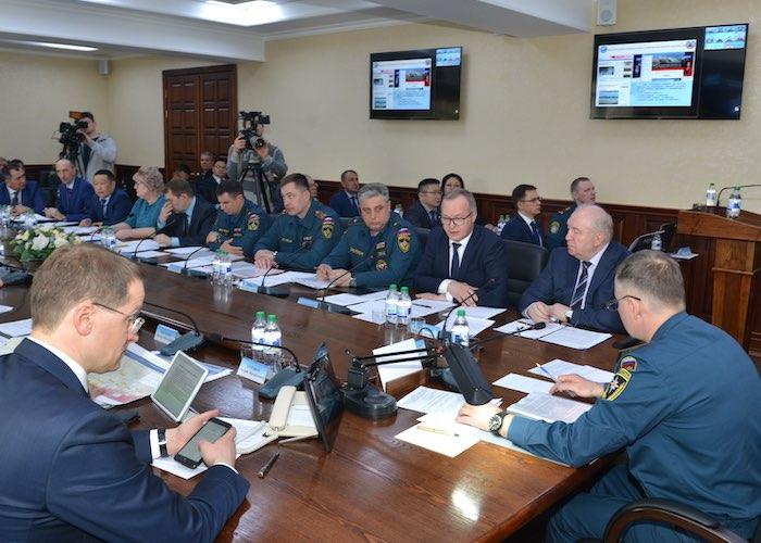 Руководитель МЧС России проверил, как на Алтае подготовились к паводку и лесным пожарам