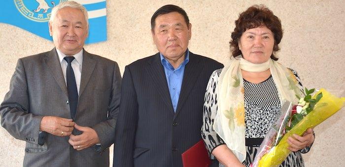 Семена Тузачинова наградили орденом «Тан Чолмон»